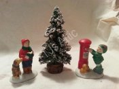 Lemax Dickensvale Tree and 2 Figurines