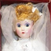 Danbury Mint Porcelain Brides Of America - Julia Victorian Bride